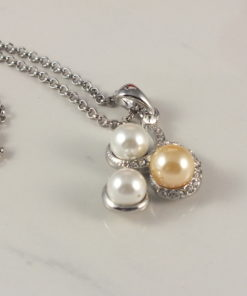 Three Pearl Circle Necklace